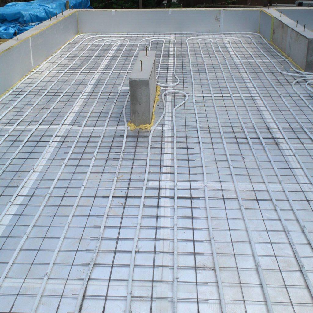 蓄熱式床暖房配管